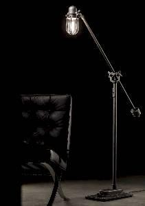 Industrial LED-Stehleuchte von Robers Leuchten