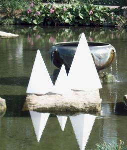 Leuchtobjekte & Lichtobjekte für Garten und Outdoor von EPSTEIN Design Leuchten Pyramide 73 cm 70805