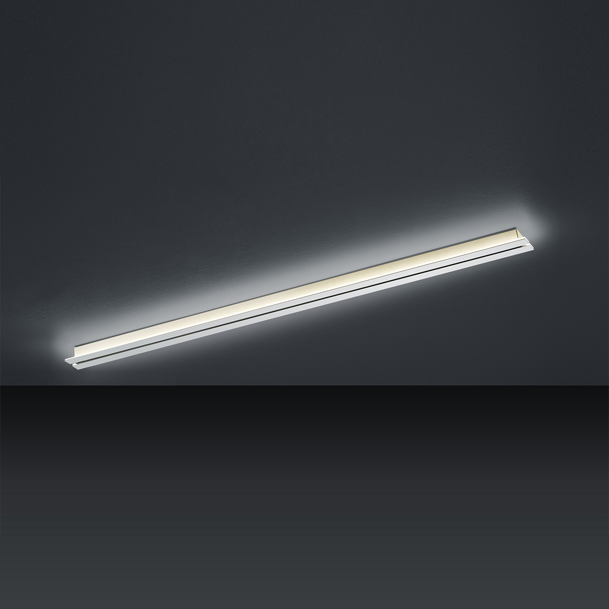 LED-Hängeleuchten von BANKAMP Leuchtenmanufaktur LED-Schiene up and down Strada 2143/155-33