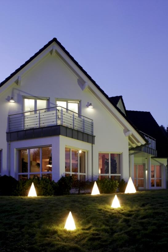 Leuchtobjekte von EPSTEIN Design Leuchten Pyramide 73 cm 70805